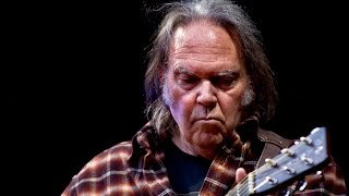 Neil Young: I Support Bernie Sanders, NOT Trump!