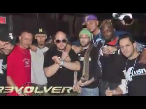 Revolver club Element the  new bigest Blatino party every SAT night