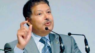 وفاة العالم المصري الكبير أحمد زويل