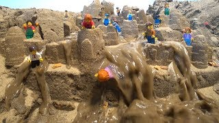LEGO DAM BREACH AND SAND CASTLE - TOTAL FLOOD AND DESTROY