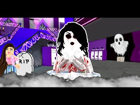 THE SAD GHOST WHO CAME BACK TO HAUNT HER BULLIES! (Royale High Halloween Story)