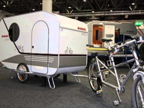 les v los de voyage avec remorque bicycles made for travelling with a trailer youtube. Black Bedroom Furniture Sets. Home Design Ideas