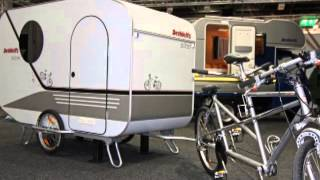Les vélos de voyage avec remorque.  Bicycles made for travelling with a trailer