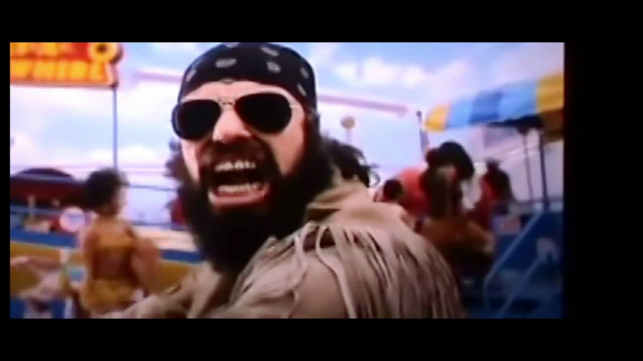 MIB 3 - Boris the Animal Laughing - YouTube