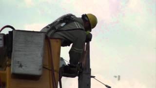 Réparation d'une ligne électrique de haute tension