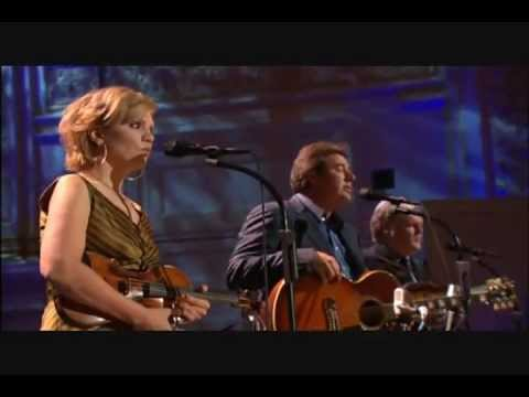 Vince Gill, Alison Krauss, Ricky Skaggs – Go Rest High On That Mountain