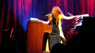 Tori Amos Red Bank 8/14/09 CLIP Strong Black Vine