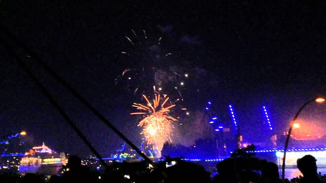 Hamburg Cruise Days 2015 Parade Feuerwerk Zur Auslaufparade Der