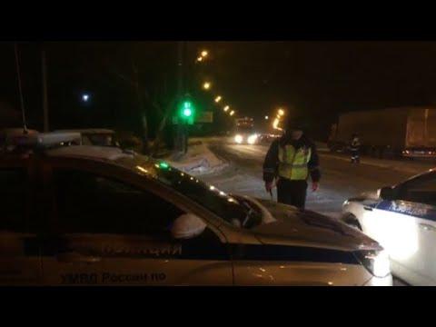 Russia: ambulances arrive at plane crash site
