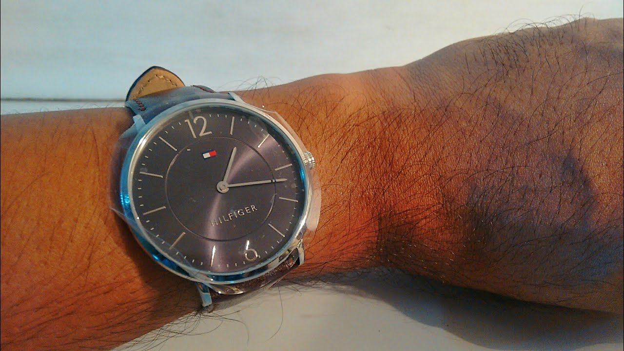 ccca6dc43 Tommy Hilfiger Men Gunmetal-Toned Analogue Watch unboxing | Latest ...