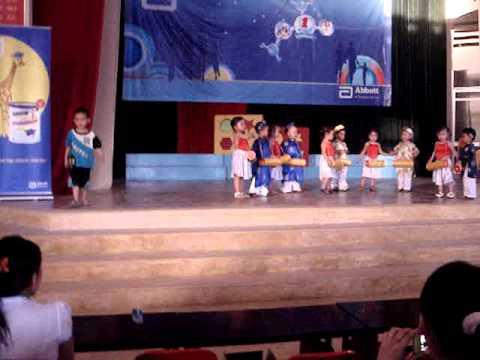 Bảo Châu múa Trống Cơm tại Nhà Văn Hóa Thiếu Nhi TP.Tuy Hòa - Phú Yên