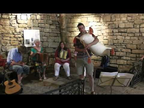 Concert cabrettes et cornemuses à Sévérac le Château