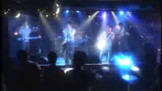 存在自体が卑猥なバンド、左横投げのライブ映像。 バンドの公式HP↓↓↓ ht...