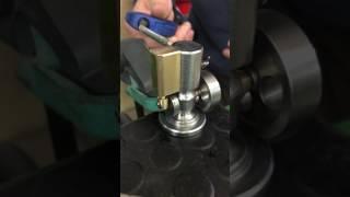 Essai a l'air comprimé moteur à vapeur oscillant