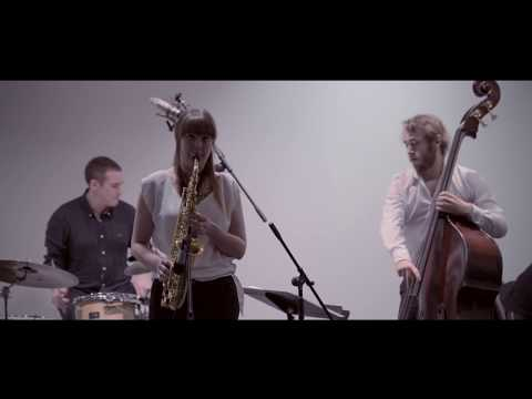 Rachael Cohen Quartet performs 'Rise and Fall of SC' ft. Phil Robson