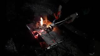 코 ㅇㅇ  바베큐에 그릴에  소갈비살을  구워봤습니다.…