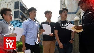 UM students who were manhandled by Umno supporters say they had protested against PH, too