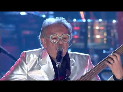 The Buggles - Video Killed The Radio Star HD (Live 2004) - YouTube.flv