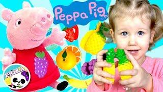 PEPPA PIG   ERIKA LE DA DE COMER A PEPPA PIG   APRENDE PALABRAS Y COLORES   VIDEO PARA NIÑOS
