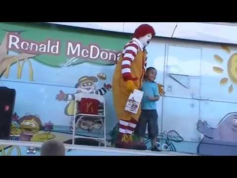 "Watching Ronald McDonald's ""Magic"" Show @ McDonald's - Henderson, NV - 3/13/2015 - PART #1"