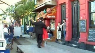 АРГЕНТИНСКОЕ ТАНГО(В местах излюбленных туристами часто можно на улице посмотреть танго., 2009-03-24T23:23:59.000Z)