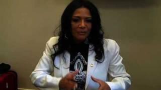 Sheila E tears up during testimony