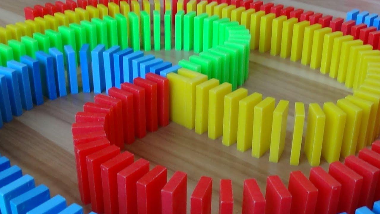 HUGE DOMINO SCREENLINK! (25,000 dominoes!)