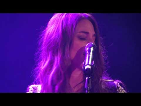 Sara Bareilles - live - London 2014 - Parking Lot