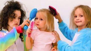 Maya y Mary juegan cuidado de la higiene | Historia para niños