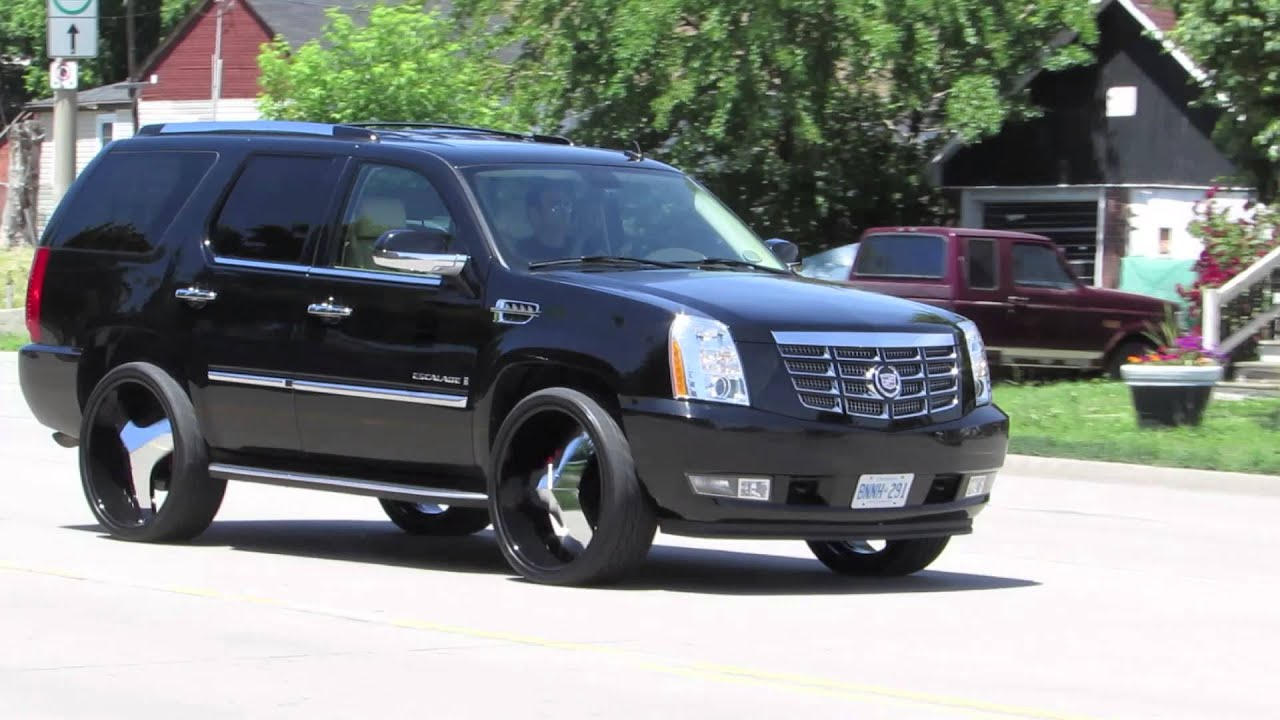 Hillyard Custom Rim Amp Tire Escalade Rolling On 26 Inch Rims