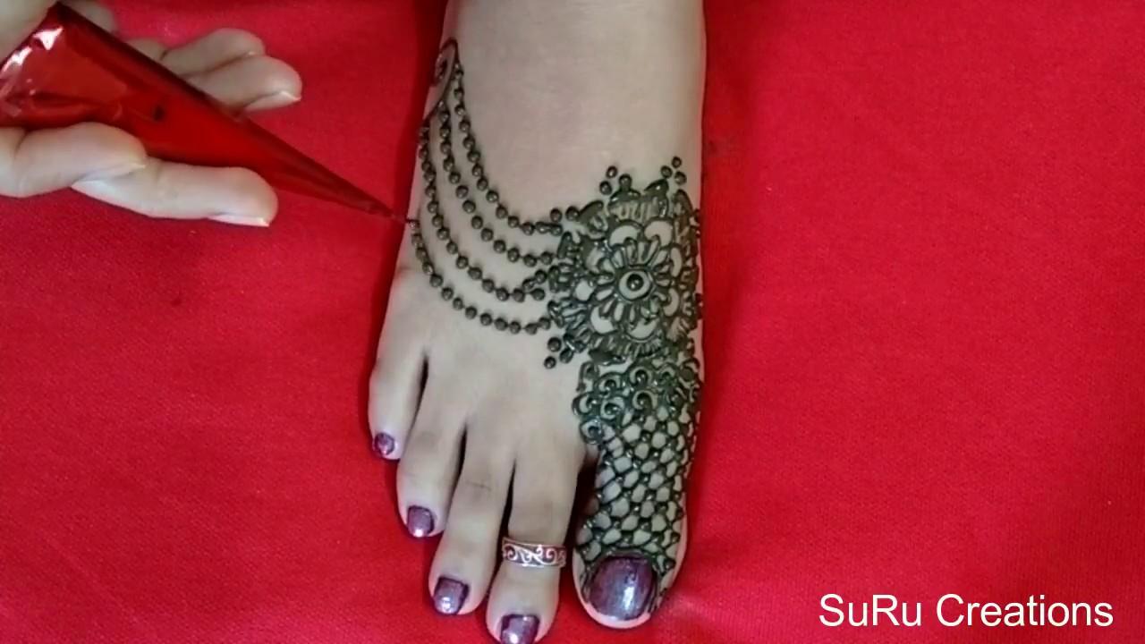 mehndi design at foot