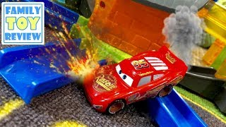 Disney Cars 3 Toys - Lightning McQueen Fire Rescue - Thomas & Friends Minis Boost & Blast Unboxing