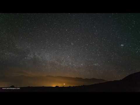 Time-Lapse - Lluvia de Estrellas de Perseidas - Perú