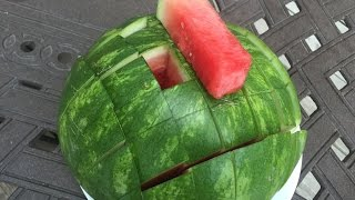 How to Slice a Wateŗmelon and Make Watermelon Spears