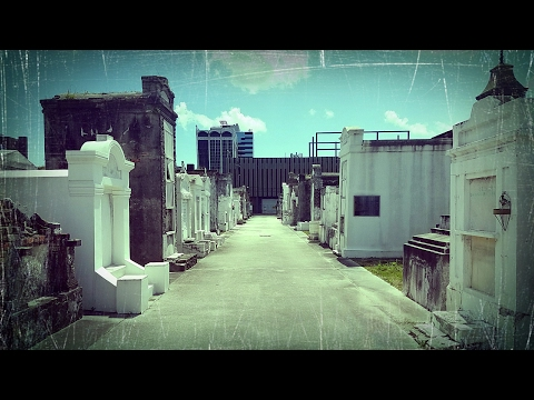 HAUNTED VOODOO CEMETERY IN NEW ORLEANS