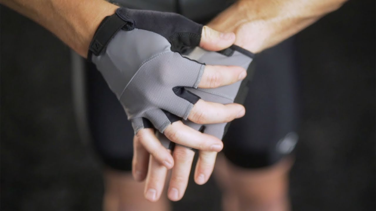 820033aaaf8 Bontrager Apparel: Solstice Cycling Gloves - YouTube