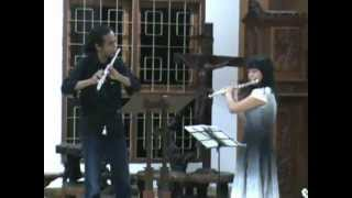 11 and 35 years old flute lovers playing Gaspard Kummer Op 20 No 3.MPG