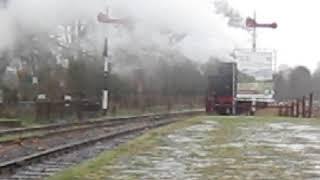 de 1040 stoomtrein vertrekt uit station Simpelveld