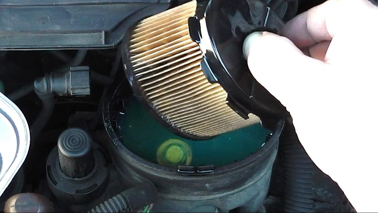 citroen berlingo fuel filter change youtube
