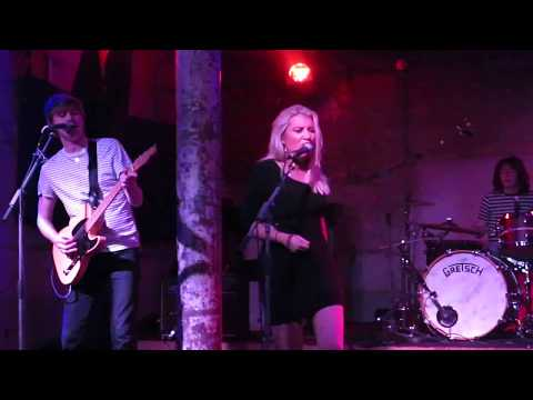 CARLY CONNOR live @ Stereo : Who's Gonna Love You ?