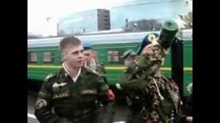 Девченка дождалась парня из армии)))так класно!.