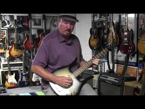 2000s Danelectro Longhorn Guitar Demo