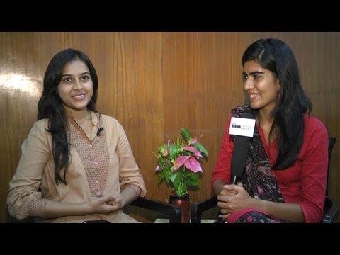 """I'd pick Suriya ahead of Vijay and Ajith"" - Sri Divya | VVS 1 - BW"
