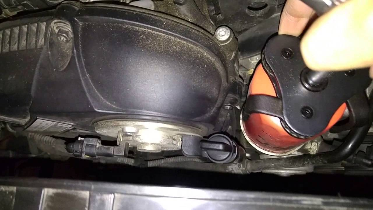 Audi A4 2.0 T >> Audi Q5 2.0 TFSI Oil Change - YouTube