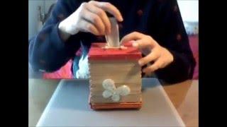 DIY - Popsicle stick piggy bank-Κατασκευή: Κουμπαράς με ξυλάκια παγωτού
