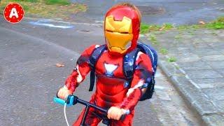 Супергерой Адам Помогает Принцессе - Superhero Adam Rescues Princess