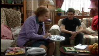 Download lagu Catherine Tate Show nan meals on wheelspound shop MP3