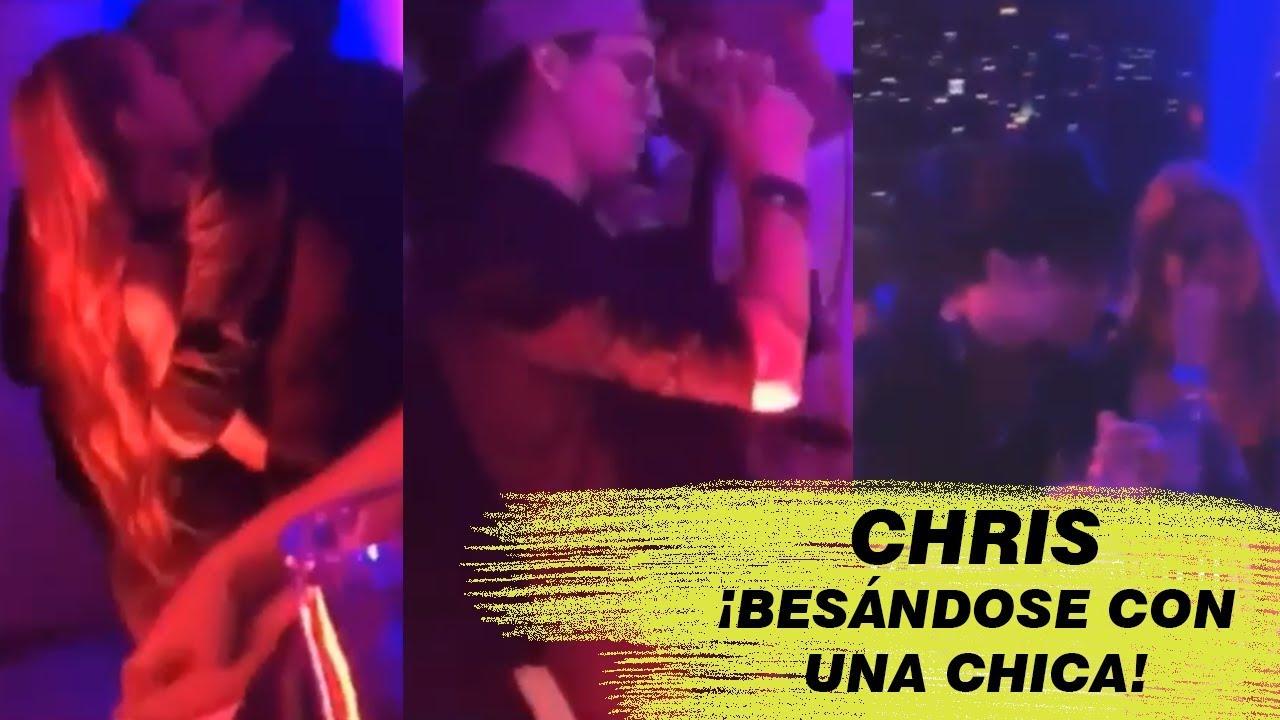 ¡CHRIS CON DOS CHICAS!  Y JOEL SENTADO CON OTRA ¡CHRIS BESÁNDOSE! | CNCO DE FIESTA EN COSTA RICA
