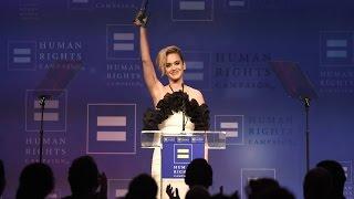 بالفيديو- كاتي بيري: نشأتي الدينية منعتني من قبول المثلية الجنسية.. ولست نادمة على تغيير قناعاتي