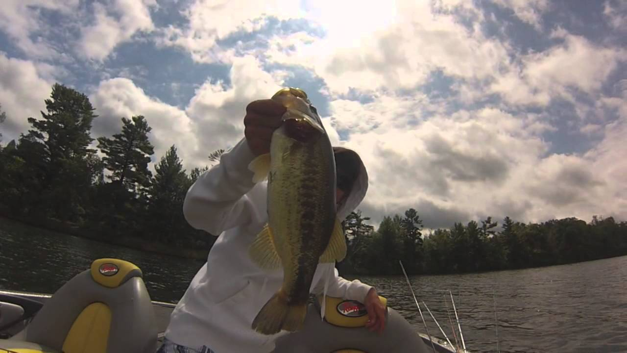 Northern wisconsin bass tournament youtube for Wisconsin fishing tournaments